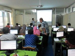 Pengembangan Marketing Online Bagi UKM